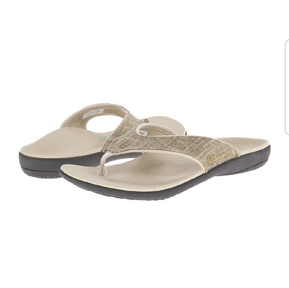 0c71e9dd55c NWOT Spenco Women s Yumi Canvas flip flop. M 5cbb6591138e18d8b5cf1cd1
